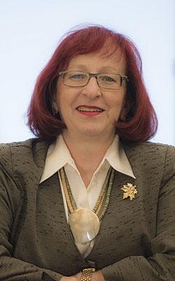 JUDr. Lenka Deverová